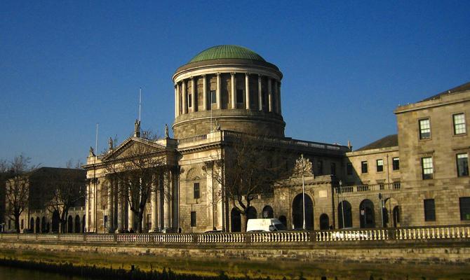 four_courts_dublin_ireland