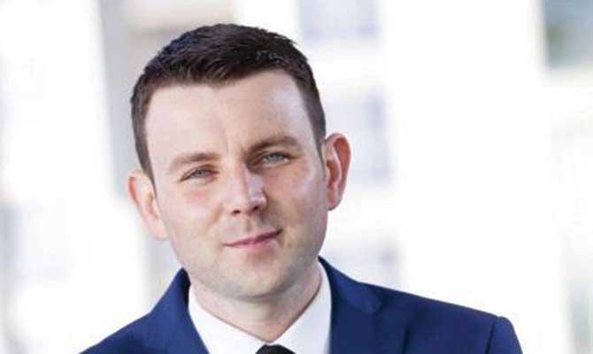 Chris Donoghue