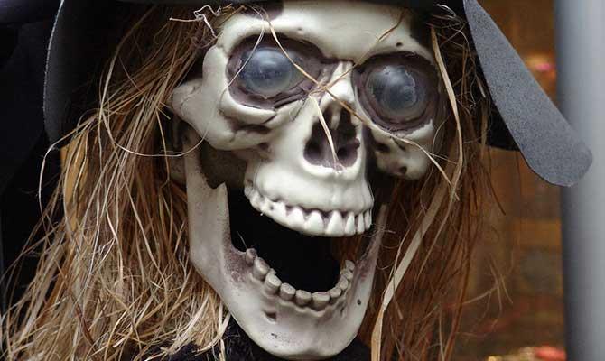 Halloween-skeleton