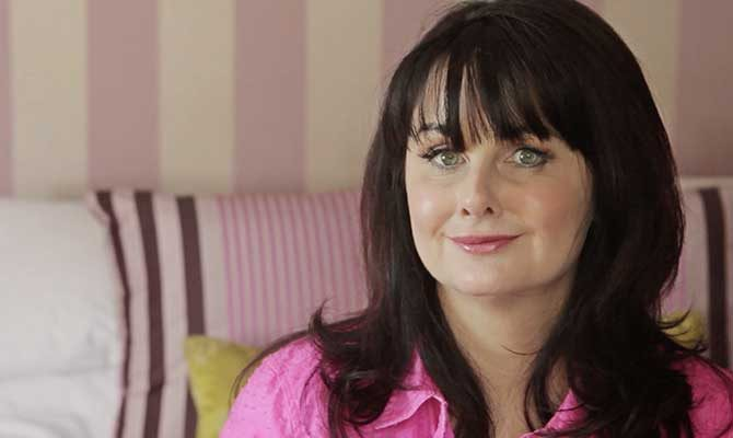 MARIAN KEYES'S MAKE-UP